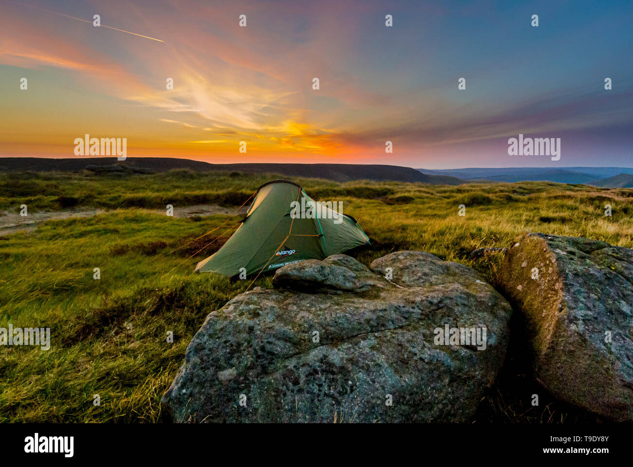 Wild Camping Peak District >> Wild Camping Small Tent In Wilderness At Sunrise Peak