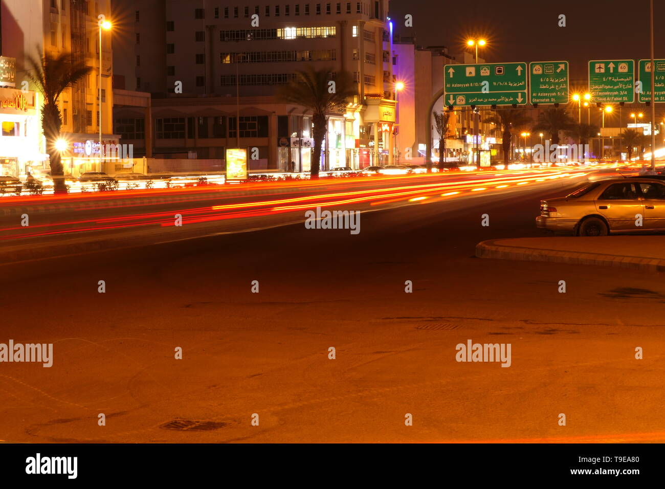Busy traffic at night, on the famous Tahlia Street In Jeddah, Saudi Arabia - Stock Image