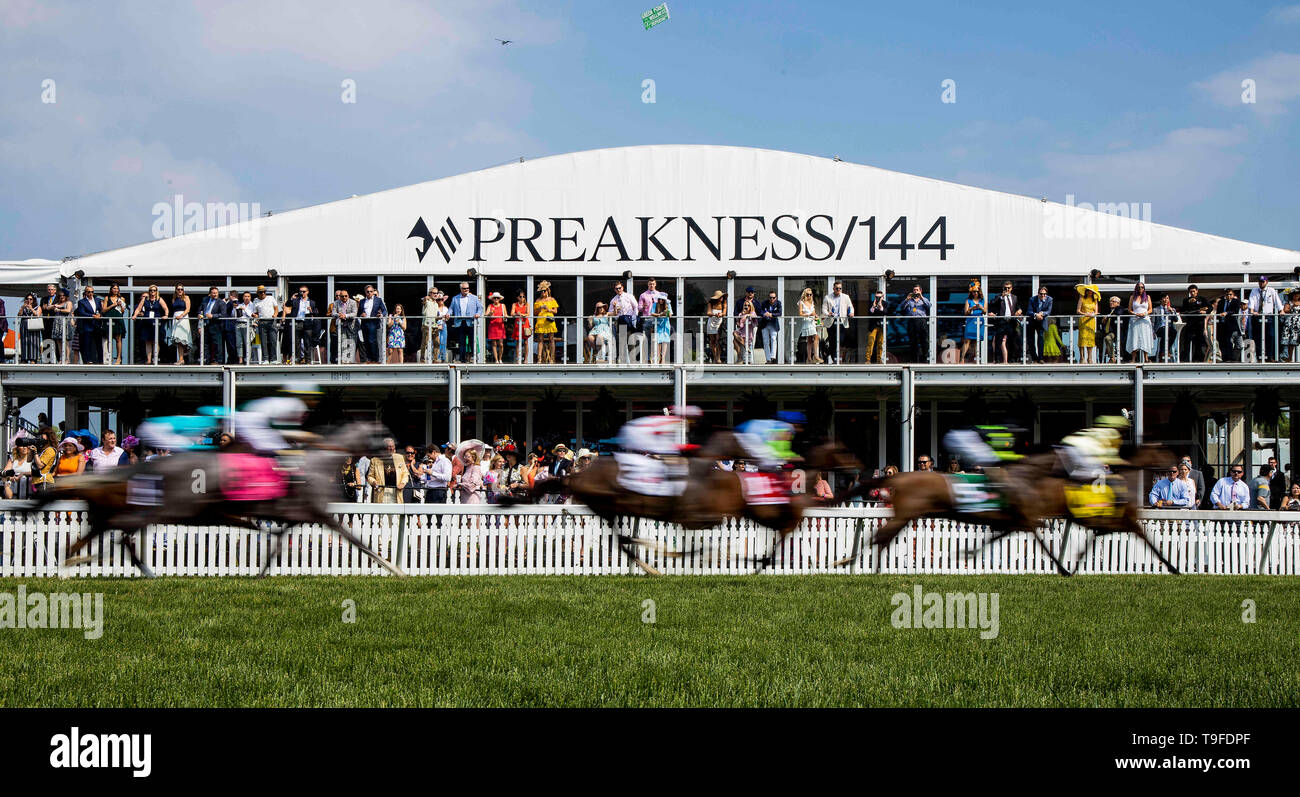 Baltimore, Maryland, USA. 17th May, 2019. MAY 18: The field for the Gallorette races at Pimlico Racecourse in Baltimore, Maryland on May 18, 2019. Evers/Eclipse Sportswire/CSM/Alamy Live News - Stock Image