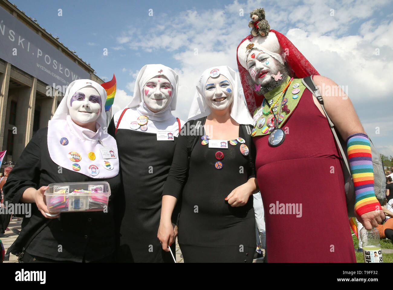 Krakow, Poland. 18th May, 2019. People are seen during the Equality March in Krakow. LGBT people and their supporters walk through the streets of Krakow to celebrate diversity and tolerance and express their opposition to discrimination and exclusion. The march was met in the city center by anti LGBT protesters from the far right organizations. Credit: Damian Klamka/SOPA Images/ZUMA Wire/Alamy Live News - Stock Image