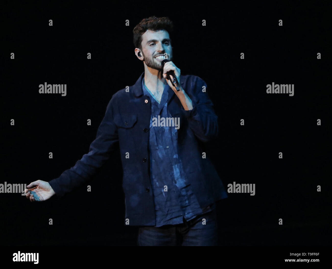 Tel Aviv, Israel. 19th May, 2019. Duncan Laurence from the Netherlands, winner of the Eurovision Song Contest (ESC) 2019, sings his winning song 'Arcade'. Credit: Ilia Yefimovich/dpa/Alamy Live News - Stock Image