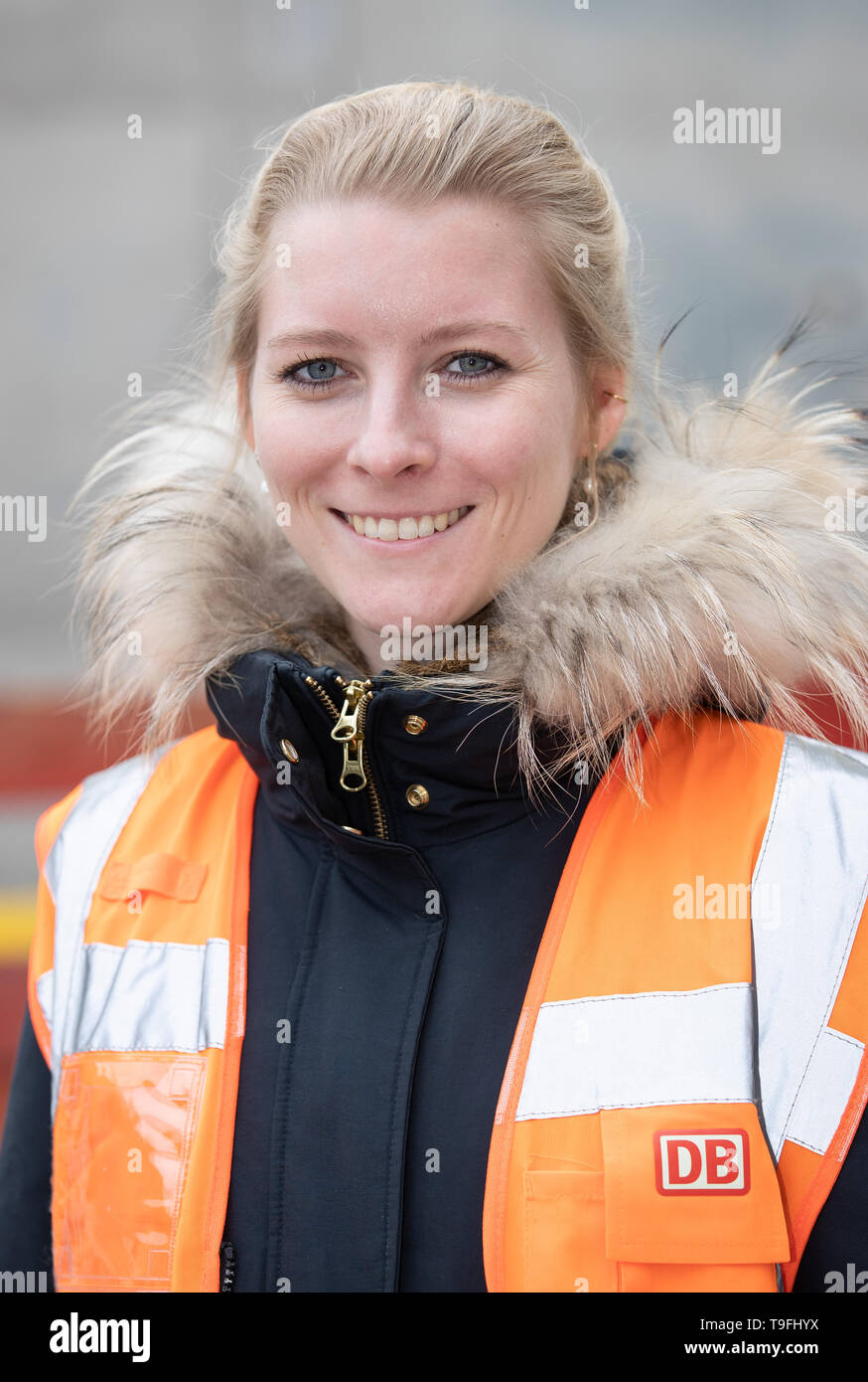 07 May 2019, Lower Saxony, Osnabrück: Johanna Harten, civil engineer at Deutsche Bahn (DB), is standing in front of a new bridge section. Since January 2017, Deutsche Bahn has been working on the renewal of a railway bridge in Osnabrück, which is to be completed in October of this year. Photo: Friso Gentsch/dpa - Stock Image