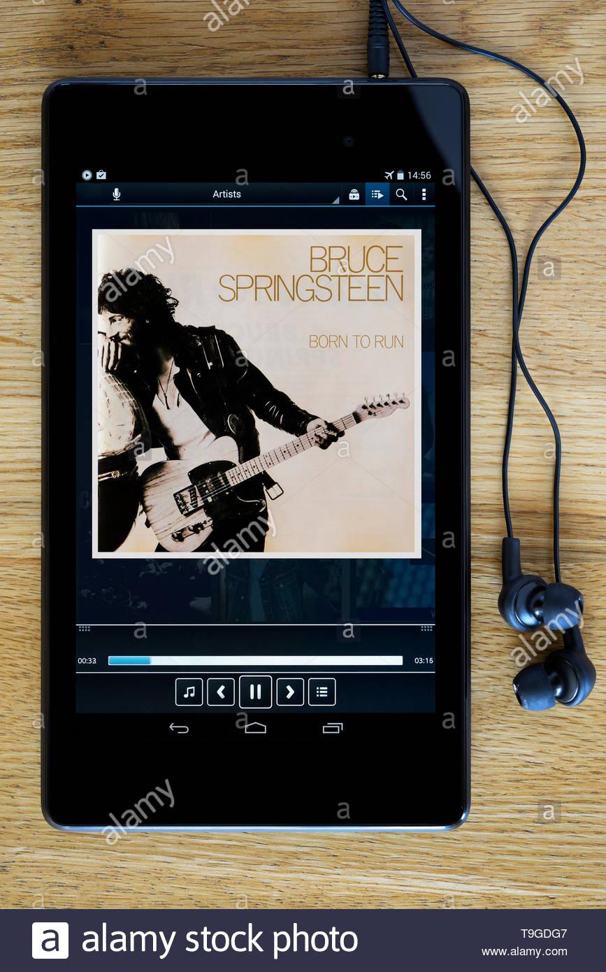 Bruce Springsteen Album Born to Run,  MP3 album art on PC tablet, England - Stock Image