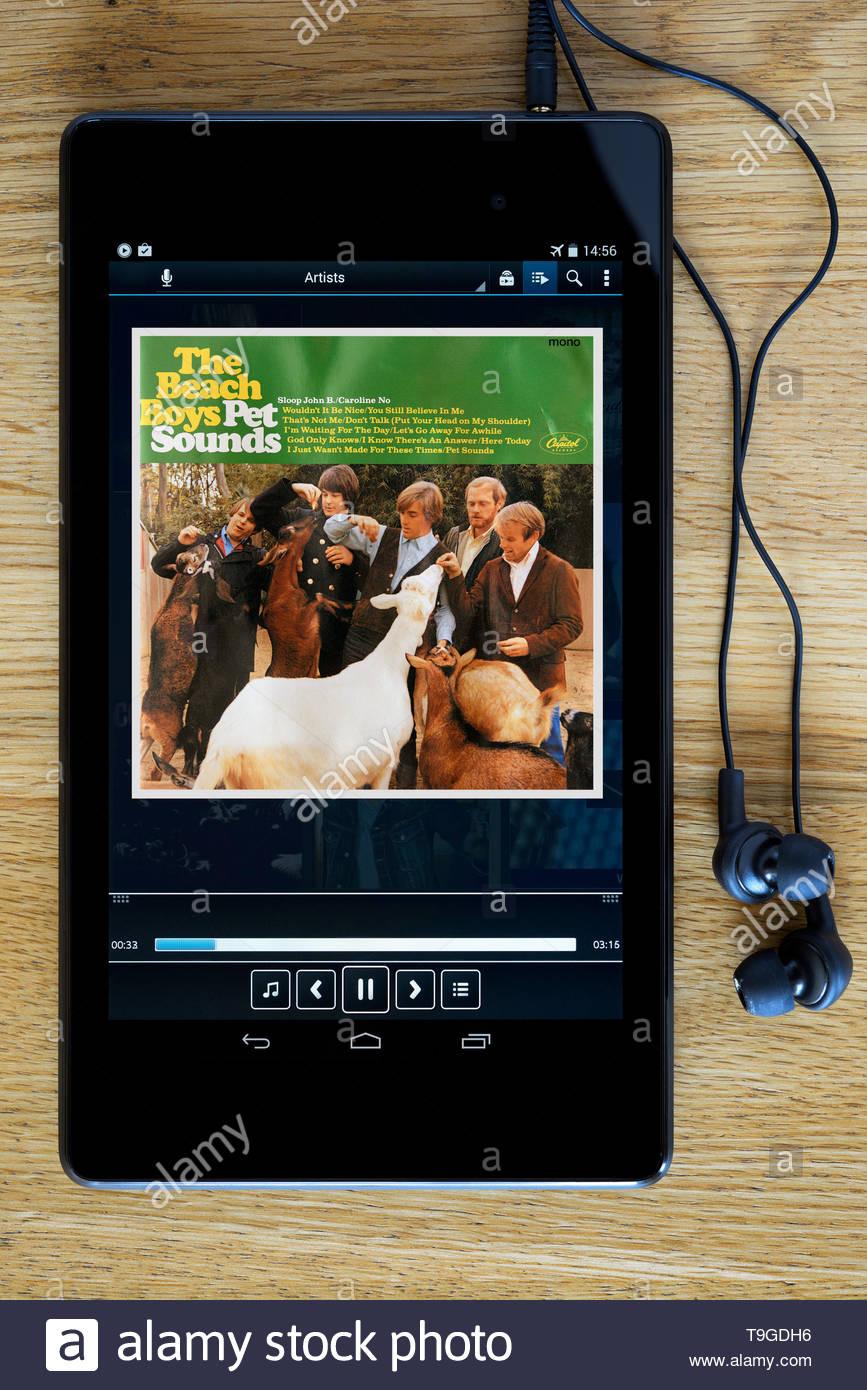 The Beach Boys album Pet Sounds, MP3 album art on PC tablet, England - Stock Image