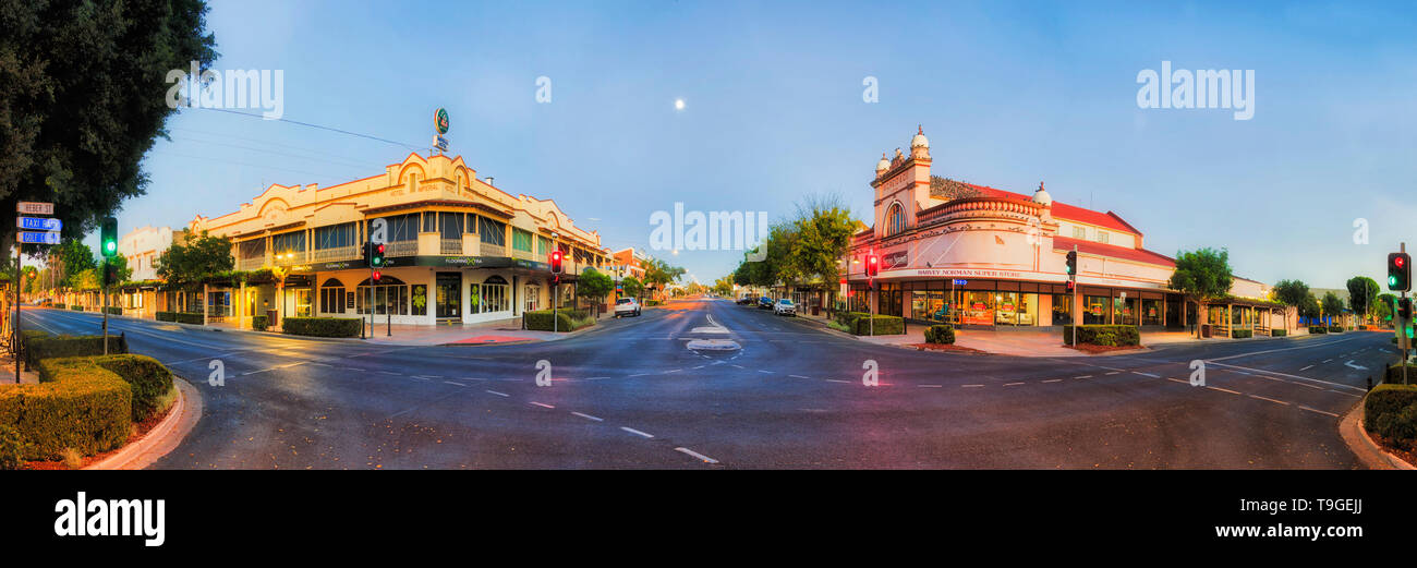 Moree, Australia -20 April, 2019: Down town intersection of main streets in Moree outback town of rural australia at sunrise. - Stock Image