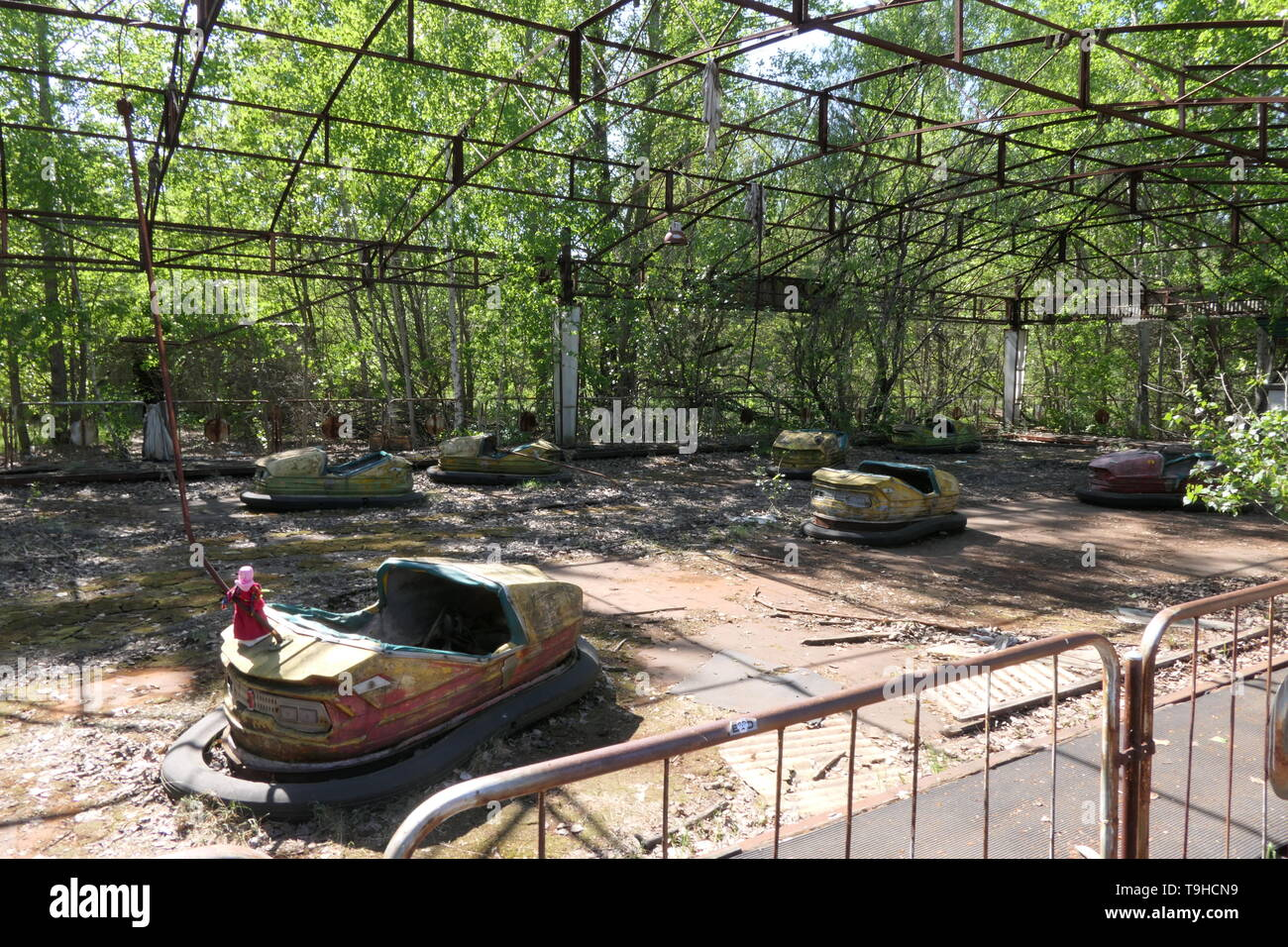 Bumper Cars in the abandoned Pripyat amusement park, Chernobyl exclusion zone, Ukraine - Stock Image