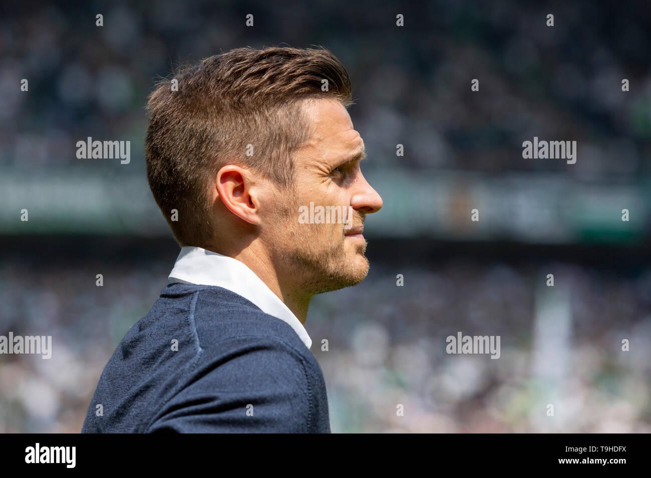 Sport, Fussball, Bundesliga, 2018/2019, Borussia Moenchengladbach vs. BVB Borussia Dortmund 0-2, Stadion Borussia-Park, Sebastian Kehl (BVB), Leiter Lizenzspielerabteilung, Teammanager, DFL REGULATIONS PROHIBIT ANY USE OF PHOTOGRAPHS AS IMAGE SEQUENCES AND/OR QUASI-VIDEO, sports, football, Bundesliga, 2018/2019, Borussia Moenchengladbach vs. BVB Borussia Dortmund 0-2, Stadium Borussia Park, Sebastian Kehl (BVB), team manager, (BVB), DFL REGULATIONS PROHIBIT ANY USE OF PHOTOGRAPHS AS IMAGE SEQUENCES AND/OR QUASI-VIDEO *** Local Caption *** sports, football, Bundesliga, 2018/2019, Borussia Moenc - Stock Image
