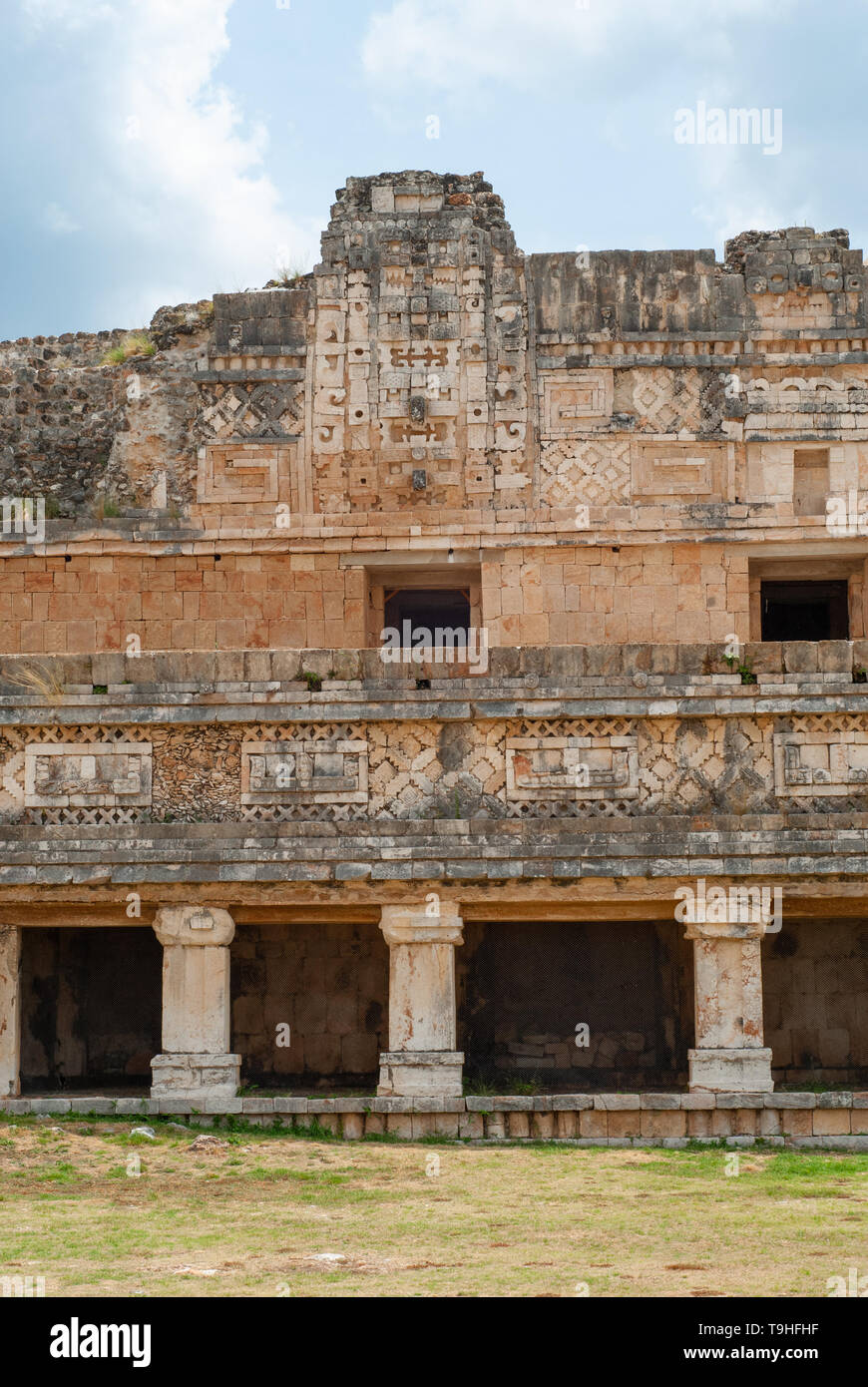Architectural details of a Mayan building, in the archaeological area of Ek Balam, on the Yucatan peninsula - Stock Image