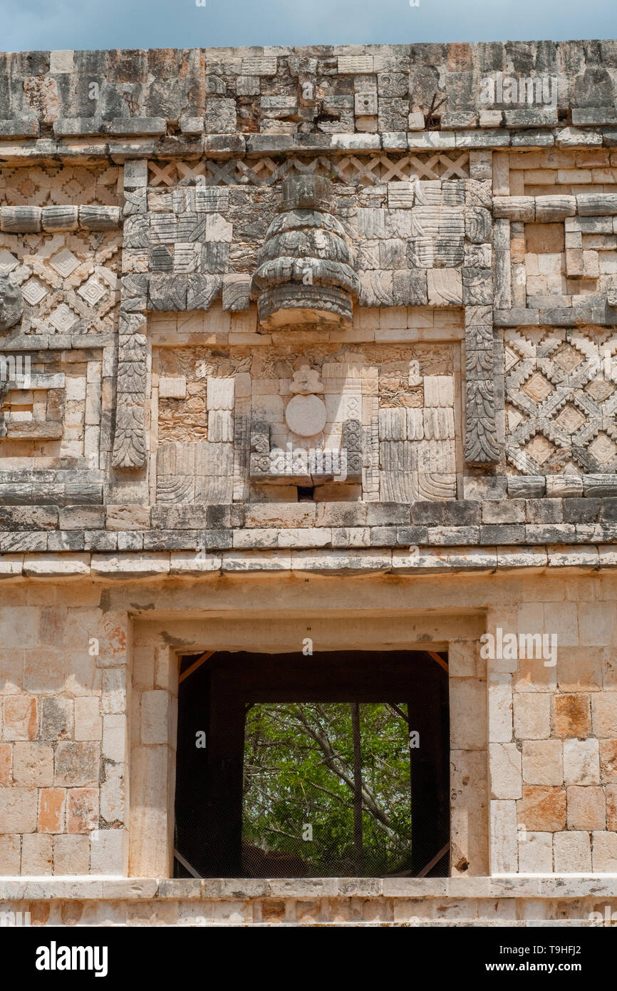 Architectural decors of a Mayan building, in the archaeological area of Ek Balam, on the Yucatan peninsula - Stock Image