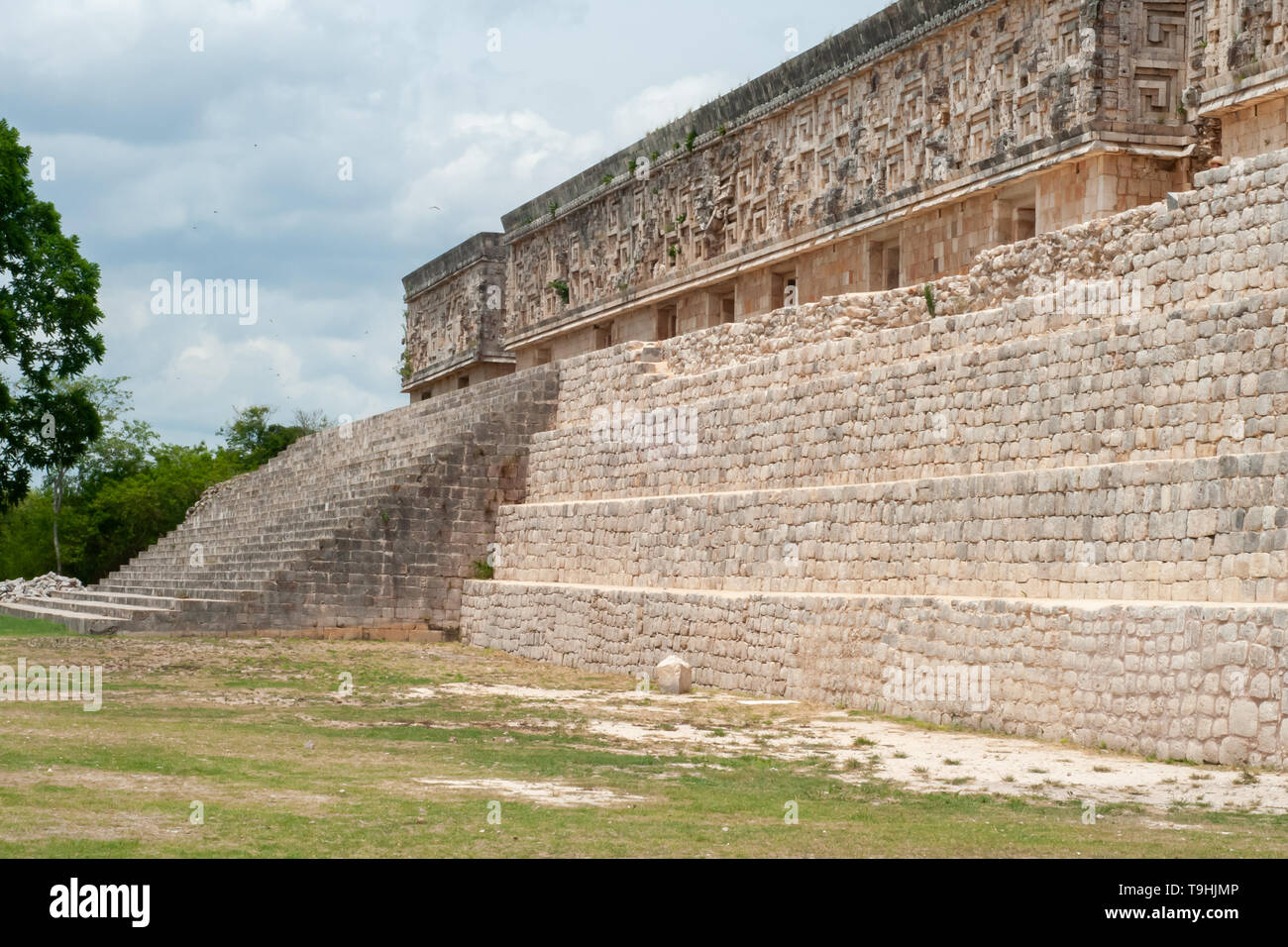 Entrance stairs of a Mayan temple, in the archaeological area of Ek Balam, on the Yucatan peninsula - Stock Image