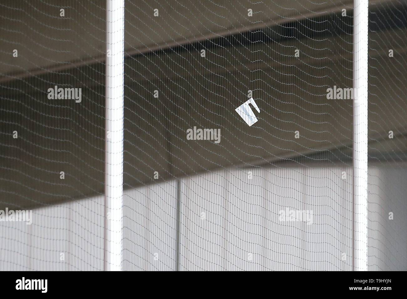 Oberhausen, Germany. 18th May, 2019. firo: 18.05.2019 Football, Regionalliga West, Season 2018/2019 Rot-Weiss Oberhausen - SC Verl after a missed penalty the fans throw their beer cups into the safety fence. | usage worldwide Credit: dpa/Alamy Live News - Stock Image