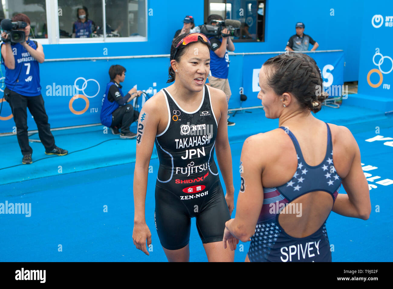 Yokohama, Japan. 18th May, 2019. 2019 ITU World Triathlon, World Paratriathlon Yokohama at Yamashita Park and Minato Mirai, Yokohama. Takahashi, Spivey (Photos by Michael Steinebach/AFLO) Credit: Aflo Co. Ltd./Alamy Live News Stock Photo