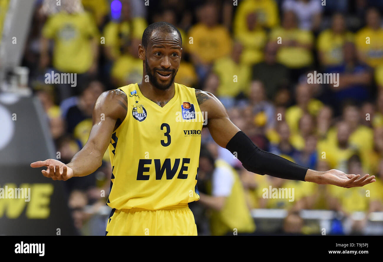 Oldenburg, Germany. 19th May, 2019. Basketball: Bundesliga, EWE Baskets Oldenburg - Telekom Baskets Bonn, championship round, quarter finals, 1st matchday. Oldenburg's William Cummings gestures during the game. Credit: Carmen Jaspersen/dpa/Alamy Live News - Stock Image