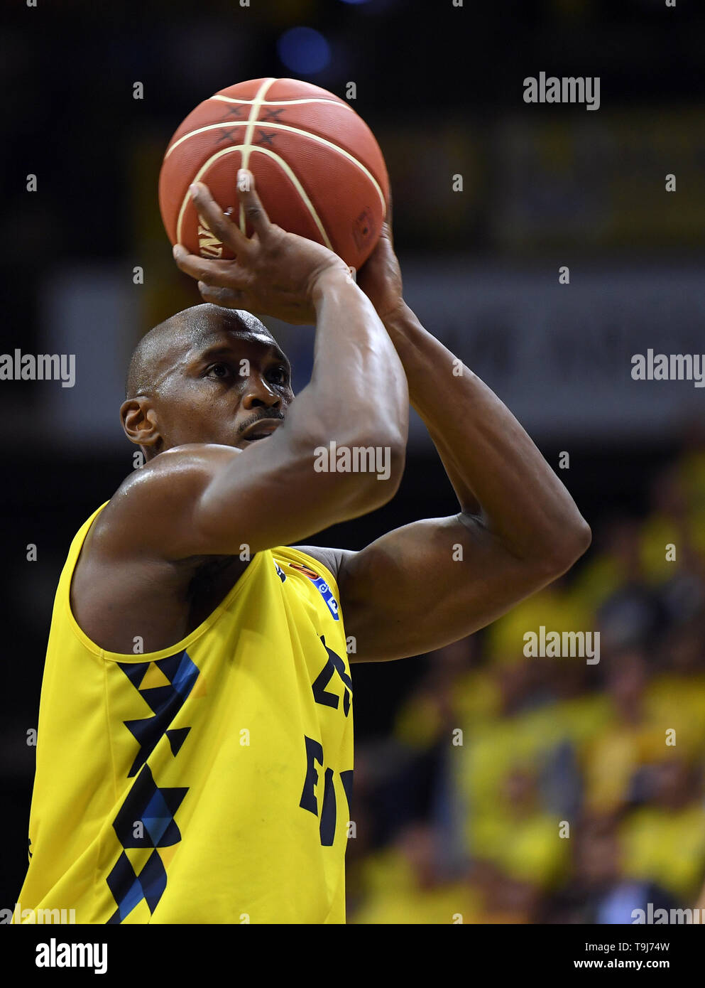 Oldenburg, Germany. 19th May, 2019. Basketball: Bundesliga, EWE Baskets Oldenburg - Telekom Baskets Bonn, championship round, quarter finals, 1st matchday. Oldenburg's Rickey Paulding at the free-throw. Credit: Carmen Jaspersen/dpa/Alamy Live News - Stock Image