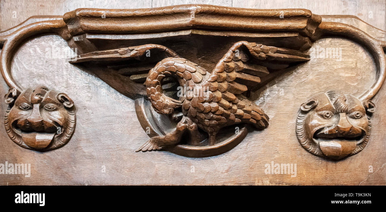 A medieval misericord depicting a 'Pelican in her piety', Ripon Cathedral, Yorkshire, UK - Stock Image