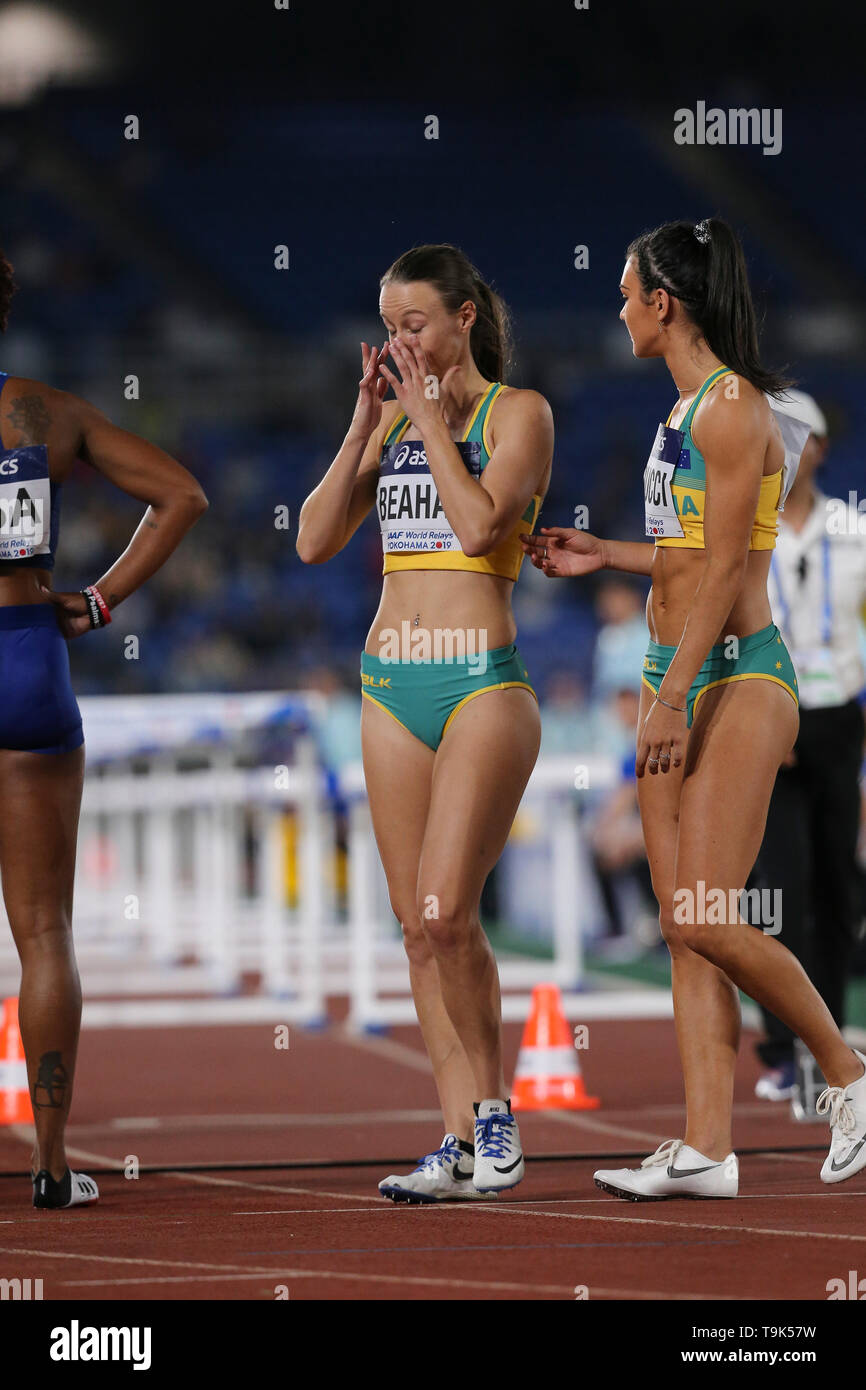 YOKOHAMA, JAPAN - MAY 10: Brianna Beahan and the team of Australia is disqualified after a false start in the final of the shuttle hurdles relay final during Day 1 of the 2019 IAAF World Relay Championships at the Nissan Stadium on Saturday May 11, 2019 in Yokohama, Japan. (Photo by Roger Sedres for the IAAF) - Stock Image