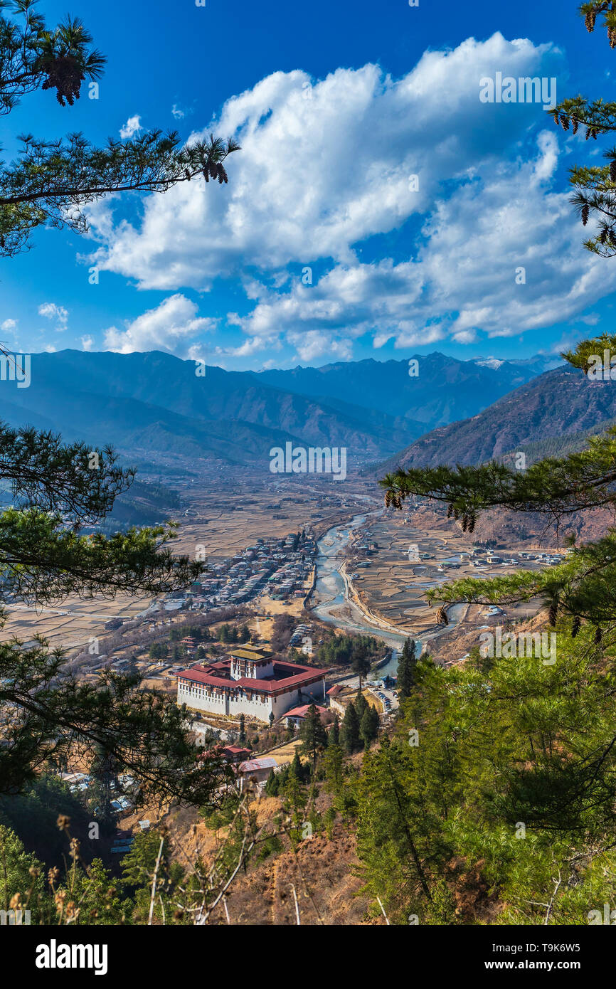 Ringpung Dzong with the Paro Valley behind - Stock Image