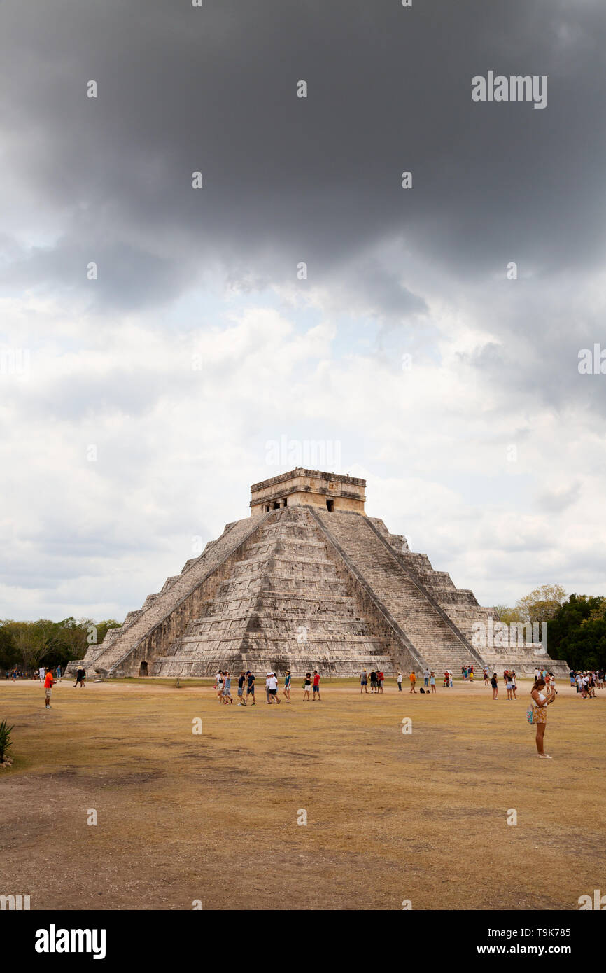 Storm clouds over the mayan pyramid temple of Kukulcan, Chichen Itza UNESCO world heritage site, Yucatan, Mexico Latin America Stock Photo