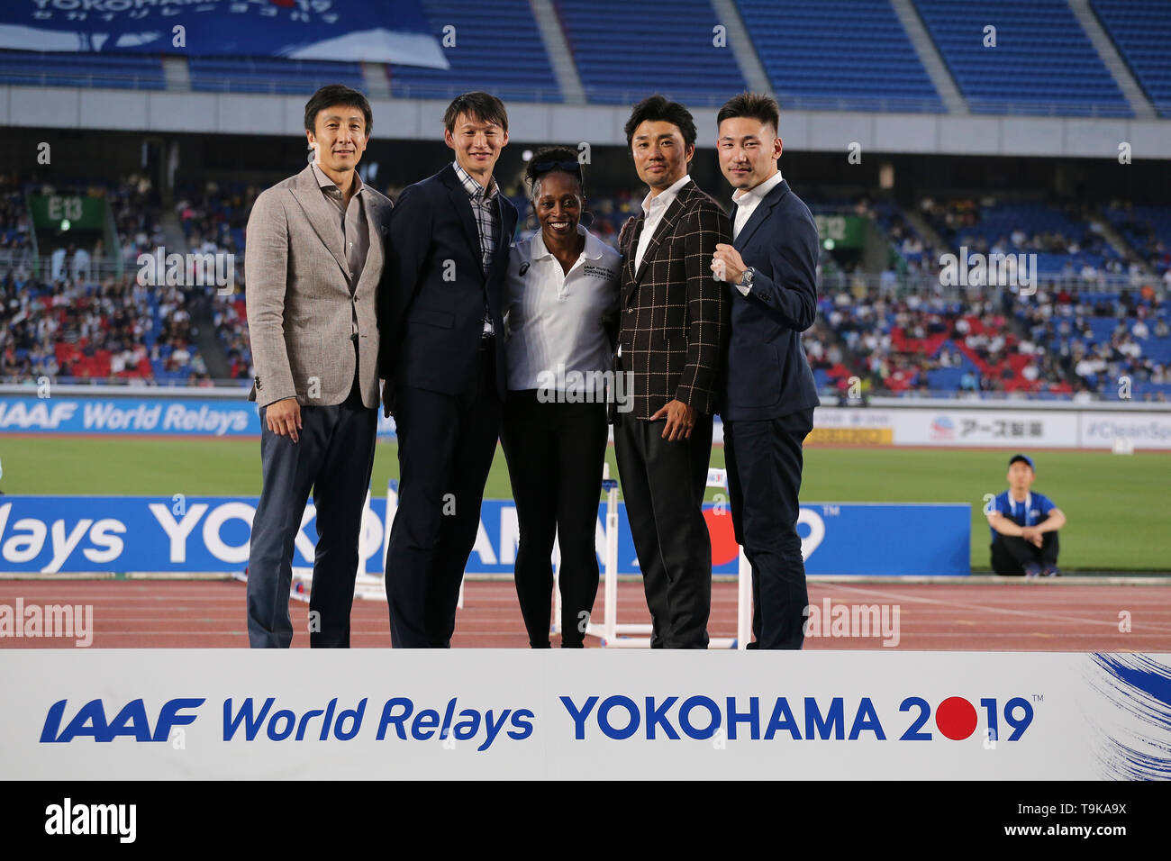 YOKOHAMA, JAPAN - MAY 10: the opening ceremony with Gail Devers during Day 1 of the 2019 IAAF World Relay Championships at the Nissan Stadium on Saturday May 11, 2019 in Yokohama, Japan. (Photo by Roger Sedres for the IAAF) - Stock Image