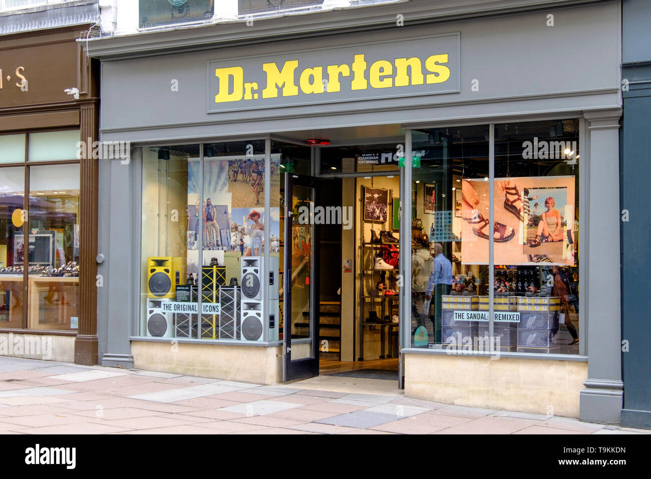 who sells dr martens in store