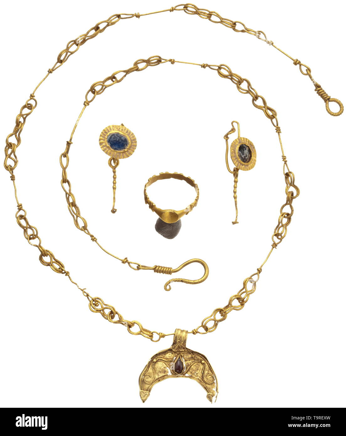 Gold Pendant Necklace Stock Photos & Gold Pendant Necklace Stock