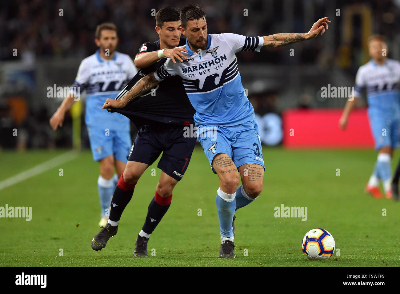 Rome, Italy. 21st May, 2019. Serie A Lazio vs Bologna Stadio Olimpico.Roma 20-05-2019 In the picture Riccardo Orsolini and Francesco Acerbi Photo Photographer01 Credit: Independent Photo Agency/Alamy Live News - Stock Image