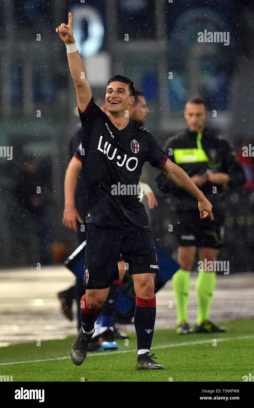 Rome, Italy. 21st May, 2019. Serie A Lazio vs Bologna Stadio Olimpico.Roma 20-05-2019 In the picture Riccardo Orsolini's rejoicing after scoring the goal Foto Fotografo01 Credit: Independent Photo Agency/Alamy Live News - Stock Image