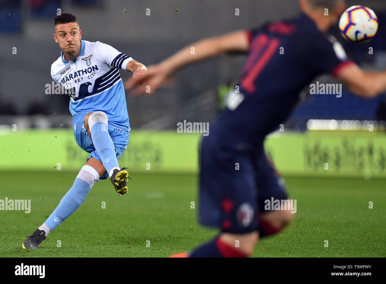 Rome, Italy. 21st May, 2019. Serie A Lazio vs Bologna Stadio Olimpico.Rome 20-05-2019 In the picture Sergej Milinkovic Savic scores the goal on a free kick Photo Photographer01 Credit: Independent Photo Agency/Alamy Live News - Stock Image