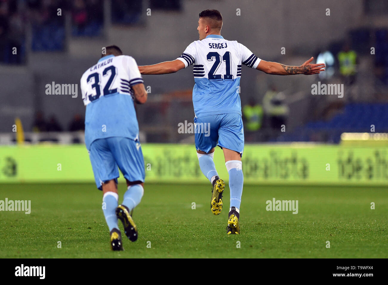 Rome, Italy. 21st May, 2019. Serie A Lazio vs Bologna Stadio Olimpico.Rome 20-05-2019 In the picture Sergej Milinkovic Savic celebrates after scoring the goal on a free kick Foto Foto01 Credit: Independent Photo Agency/Alamy Live News - Stock Image
