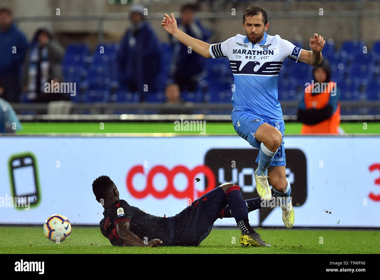 Rome, Italy. 21st May, 2019. Serie A Lazio vs Bologna Stadio Olimpico.Roma 20-05-2019 Pictured Ibrahima Mbaye and Senad Lulic Foto Fotografo01 Credit: Independent Photo Agency/Alamy Live News - Stock Image