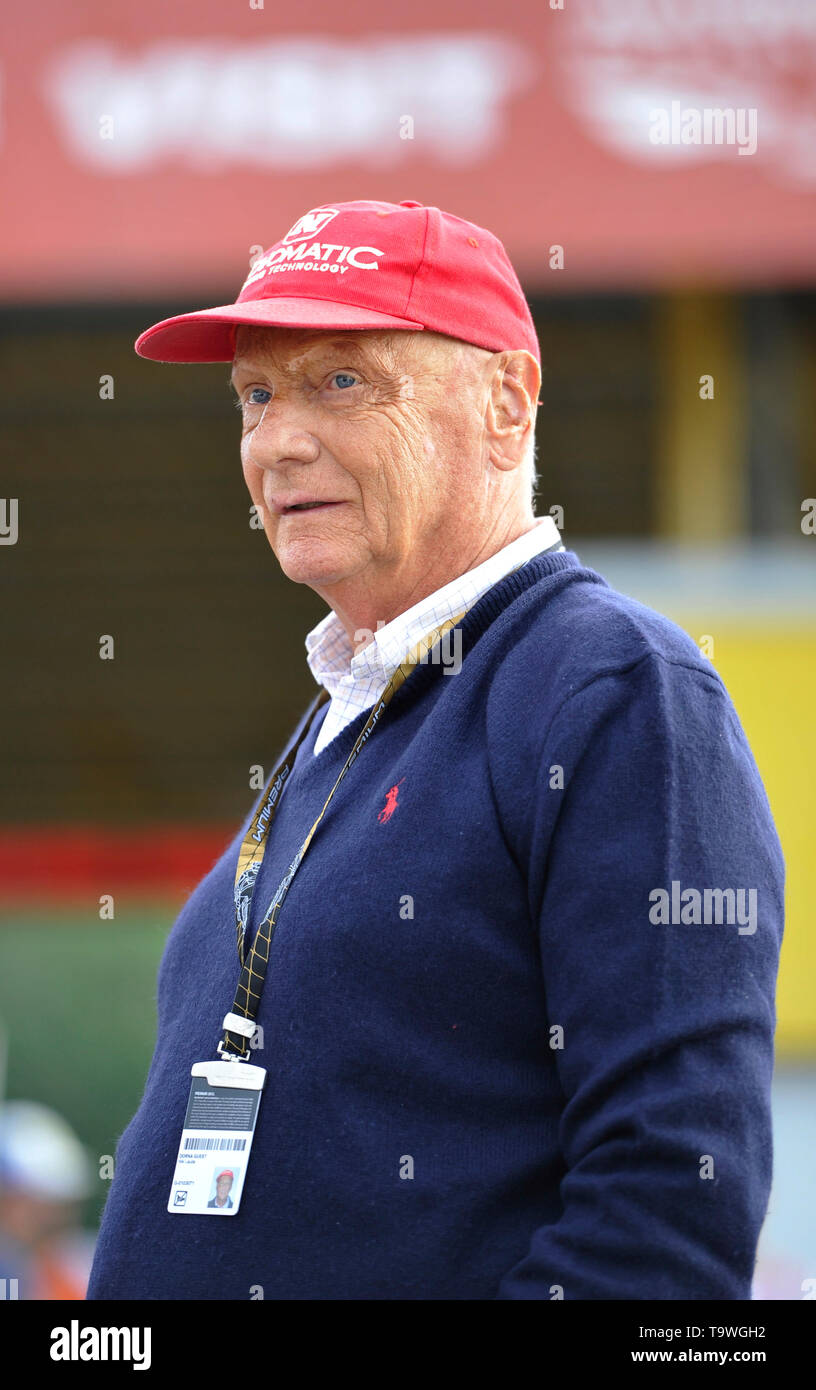 FILE: 21st May 2019. Former Formula One driver Niki Lauda passed away peacefully this morning aged 70. Photo taken: Brno, Czech Republic. 16th Aug, 2015. Austrian former Formula One driver Niki Lauda visits Grand Prix of the Czech Republic 2015, Czech Republic, August 16, 2015, Brno, Czech Republic. Credit: Vaclav Salek/CTK Photo/Alamy Live News Stock Photo