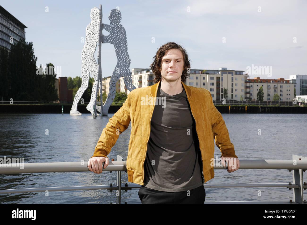 Berlin, Germany  20th May, 2019  Evan Peters at the 'X-Men