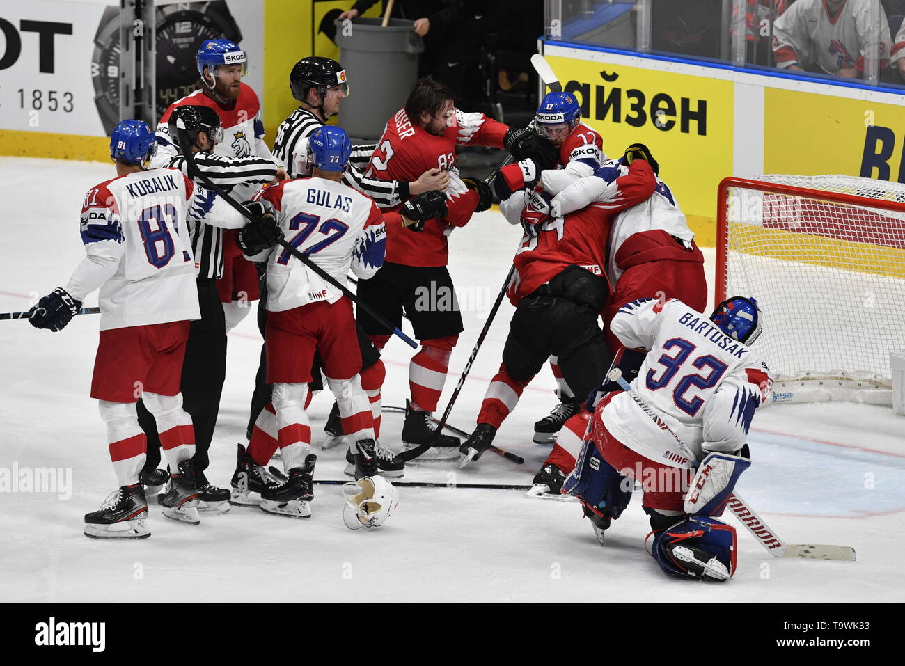 Bratislava, Slovakia. 21st May, 2019. A skirmish during the match between Czech Republic and Switzerland within the 2019 IIHF World Championship in Bratislava, Slovakia, on May 21, 2019. Credit: Vit Simanek/CTK Photo/Alamy Live News Stock Photo