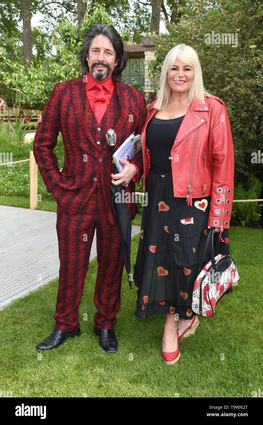 Photo Must Be Credited ©Alpha Press 079965 20/05/2019 Laurence and Jackie Llewelyn-Bowen at the RHS Chelsea Flower Show 2019 held at the Royal Hospital Chelsea in London - Stock Image