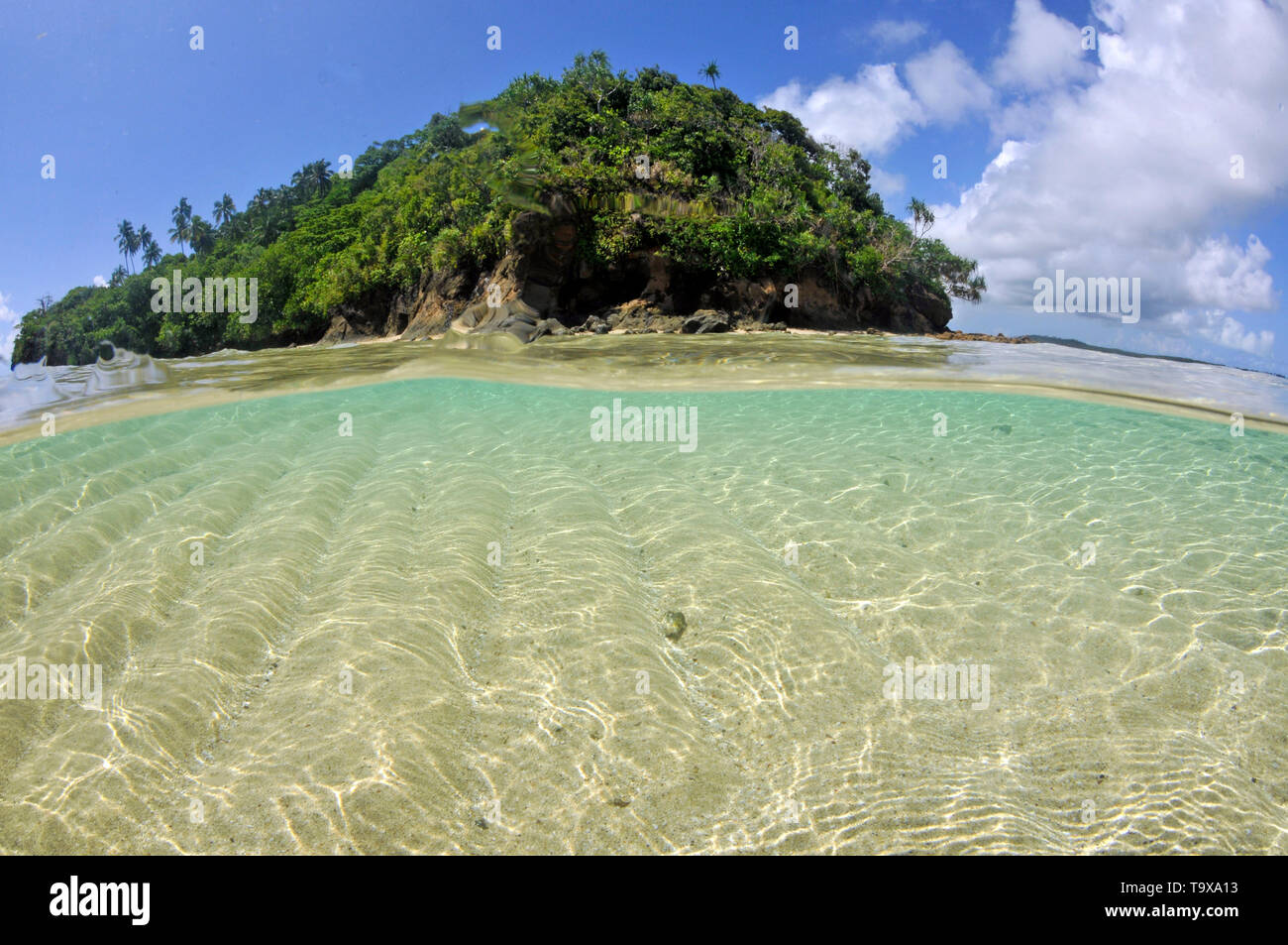 Split view of Nukuatea motu, Wallis Island, Wallis & Futuna, South Pacific - Stock Image