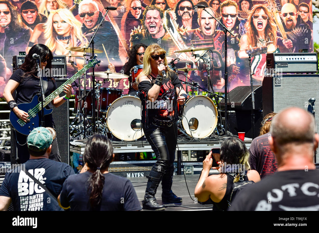 May 5, 2019, Encino, California, DIA on stage at the 2019 Ride for Ronnie charity concert at Los Encinos State Historic Park. Stock Photo