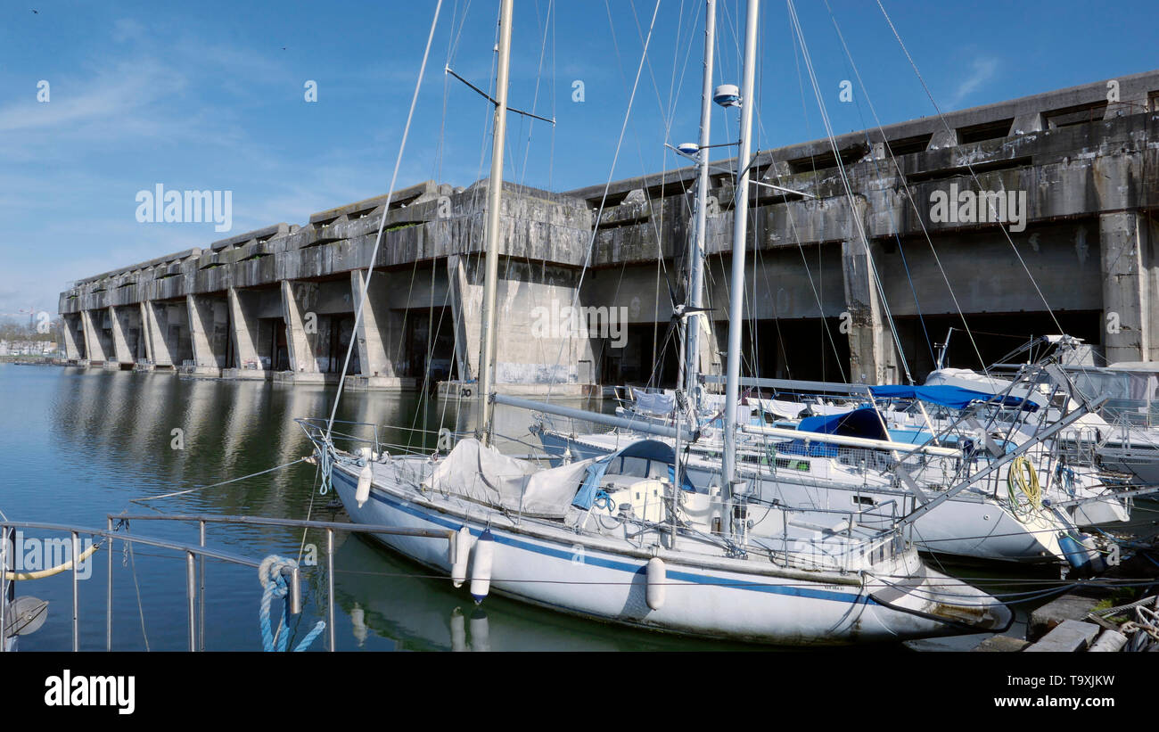 AJAXNETPHOTO. 2019. BORDEAUX, FRANCE. - U-BOAT PENS - REMAINS OF REINFORCED CONCRETE WORLD WAR II GERMAN SUBMARINE PENS IN THE HARBOUR. PHOTO:CAROLINE BEAUMONT/AJAX REF:CB190605_462 - Stock Image