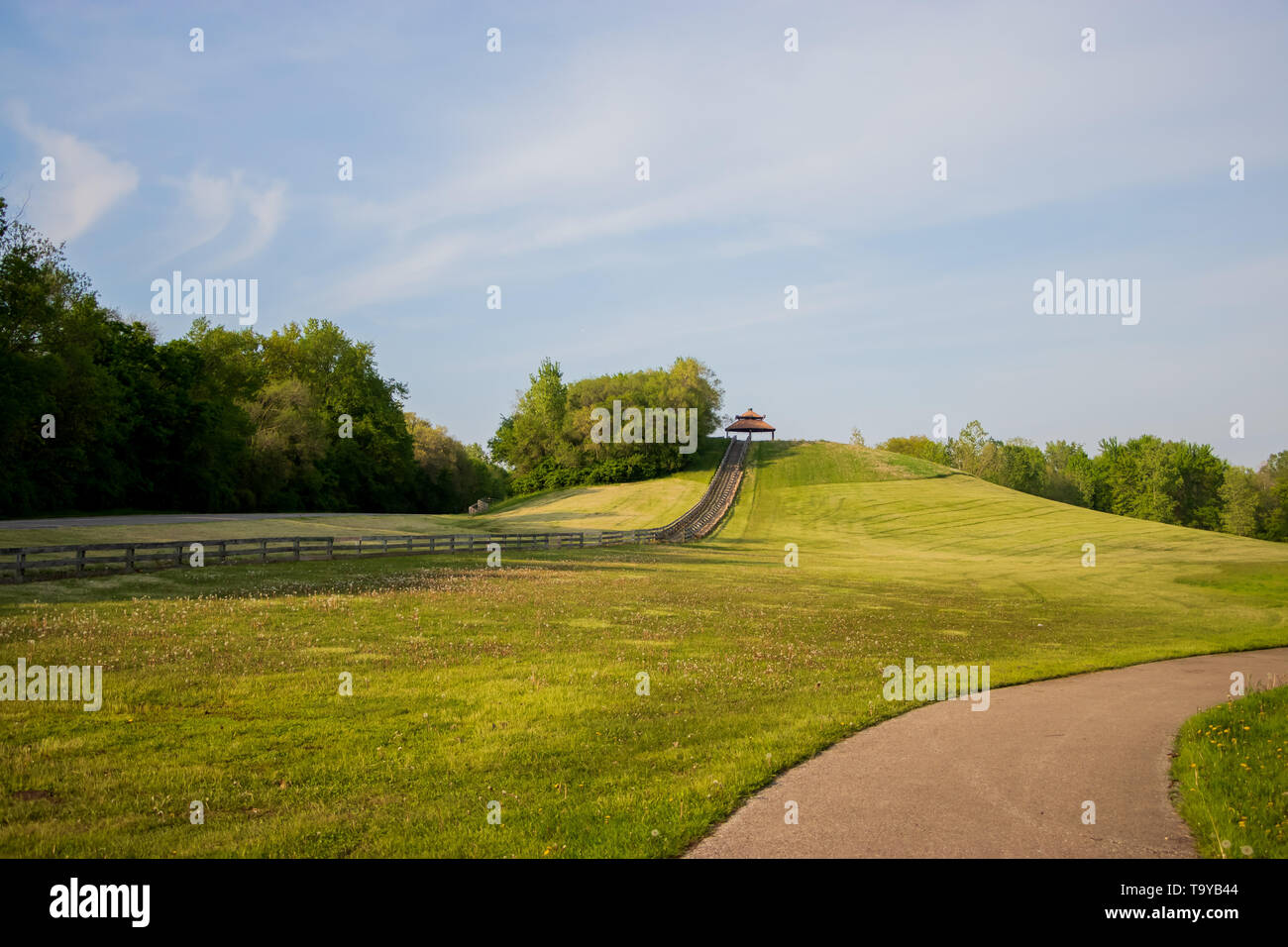 Once a Landfill, Now a Scenic Hilltop at Hines Park Michigan - Stock Image