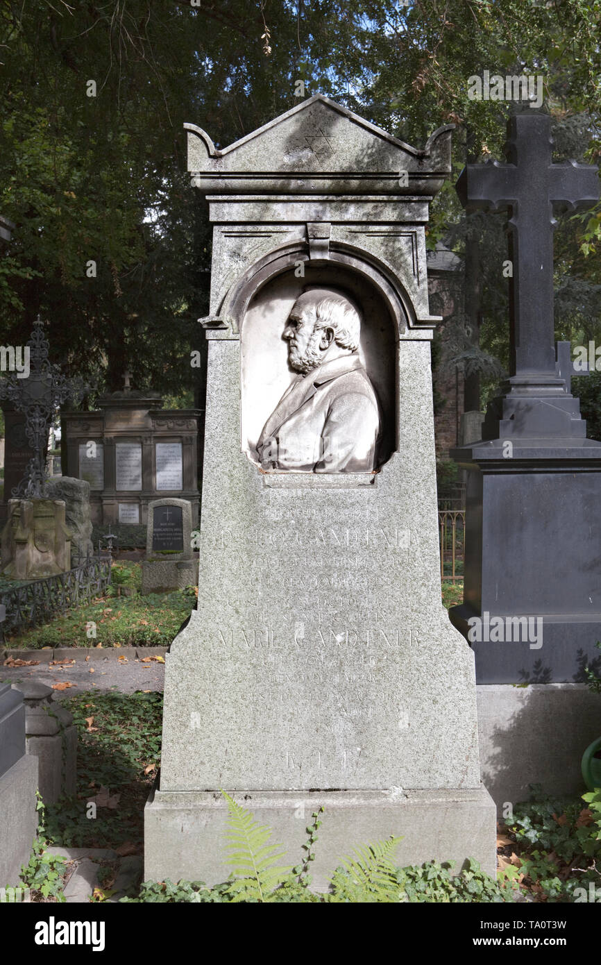 The Tomb of Otto Gandtner, Alter Friedhof cemetery, Bonn, North Rhine-Westphalia, Germany, Europe - Stock Image