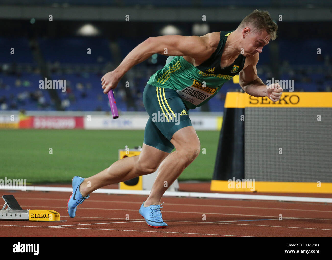 YOKOHAMA, JAPAN - MAY 11: Emile Erasmus of South Africa at the start of the mens 4x100m relay during day 1 of the IAAF World Relays at Nissan Stadium on May 11, 2019 in Yokohama, Japan. (Photo by Roger Sedres/Gallo Images) - Stock Image