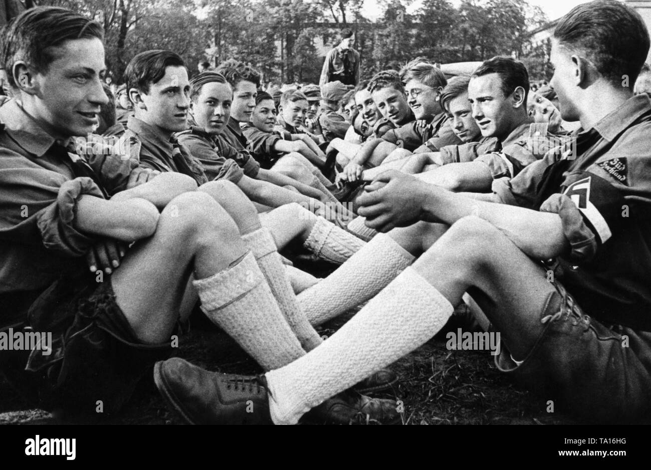 A HJ group from 'Sued Hochland' (Swabia or Oberbayern) at a joint event. Undated recording, possibly a film scene. - Stock Image