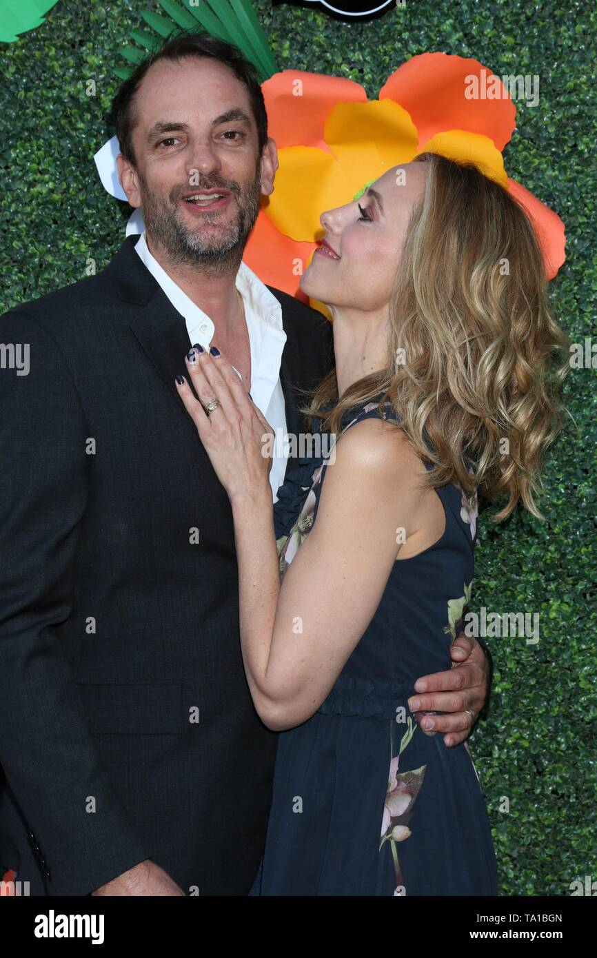 Los Angeles, CA, USA. 20th May, 2019. Manu Boyer, Kim Raver at arrivals for Lifetime's Summer Luau, W Los Angeles Wet Deck, Los Angeles, CA May 20, 2019. Credit: Priscilla Grant/Everett Collection/Alamy Live News - Stock Image
