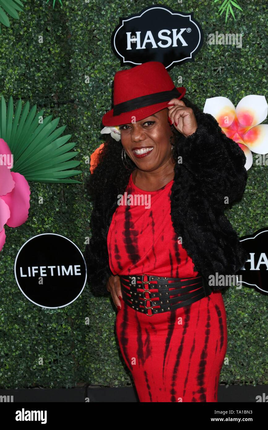 Los Angeles, CA, USA. 20th May, 2019. Tonya Banks at arrivals for Lifetime's Summer Luau, W Los Angeles Wet Deck, Los Angeles, CA May 20, 2019. Credit: Priscilla Grant/Everett Collection/Alamy Live News - Stock Image