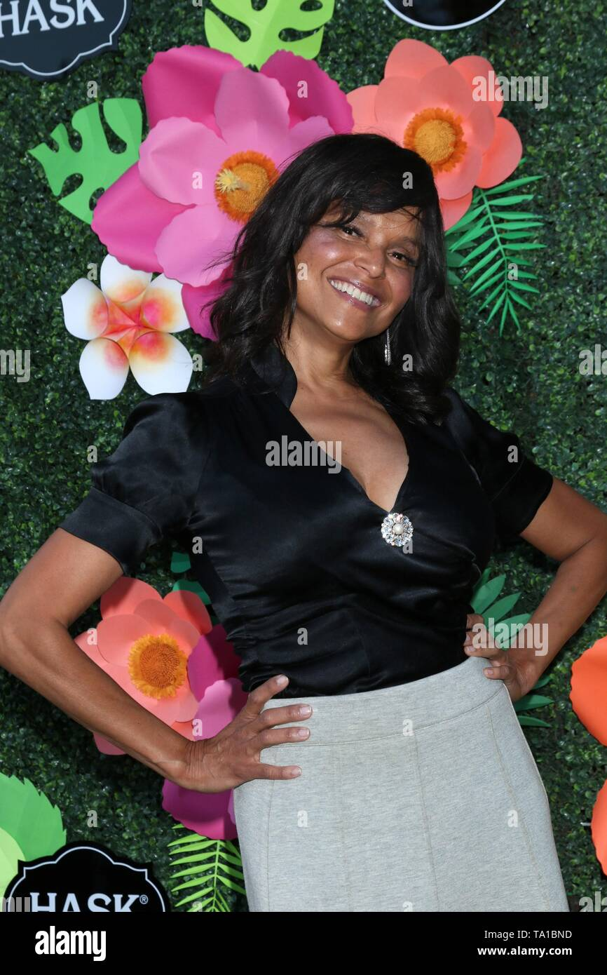 Los Angeles, CA, USA. 20th May, 2019. VIctoria Rowell at arrivals for Lifetime's Summer Luau, W Los Angeles Wet Deck, Los Angeles, CA May 20, 2019. Credit: Priscilla Grant/Everett Collection/Alamy Live News - Stock Image