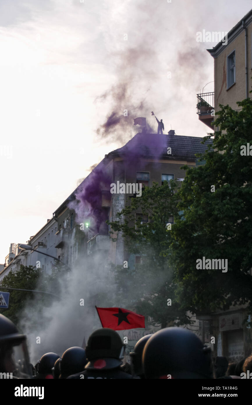 BERLIN, GERMANY - May 1, 2019: several thousand left-winged protesters are marching through Berlin-Friedrichshein to demonstrate against gentrificatio - Stock Image