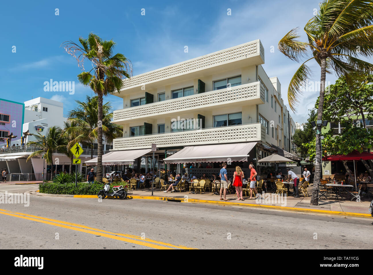 Miami Fl Usa April 19 2019 The News Cafe At The