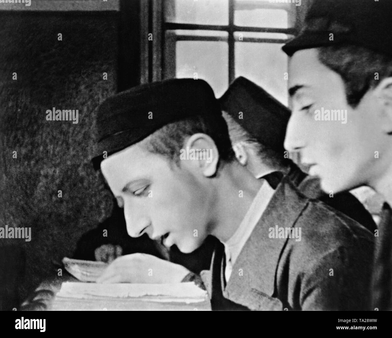 Scene from the Nazi propaganda film 'The Eternal Jew' (directed by Fritz Hippler, Germany 1940), in which, using the example of Polish Jews, the entire Judaism is defamed. - Stock Image