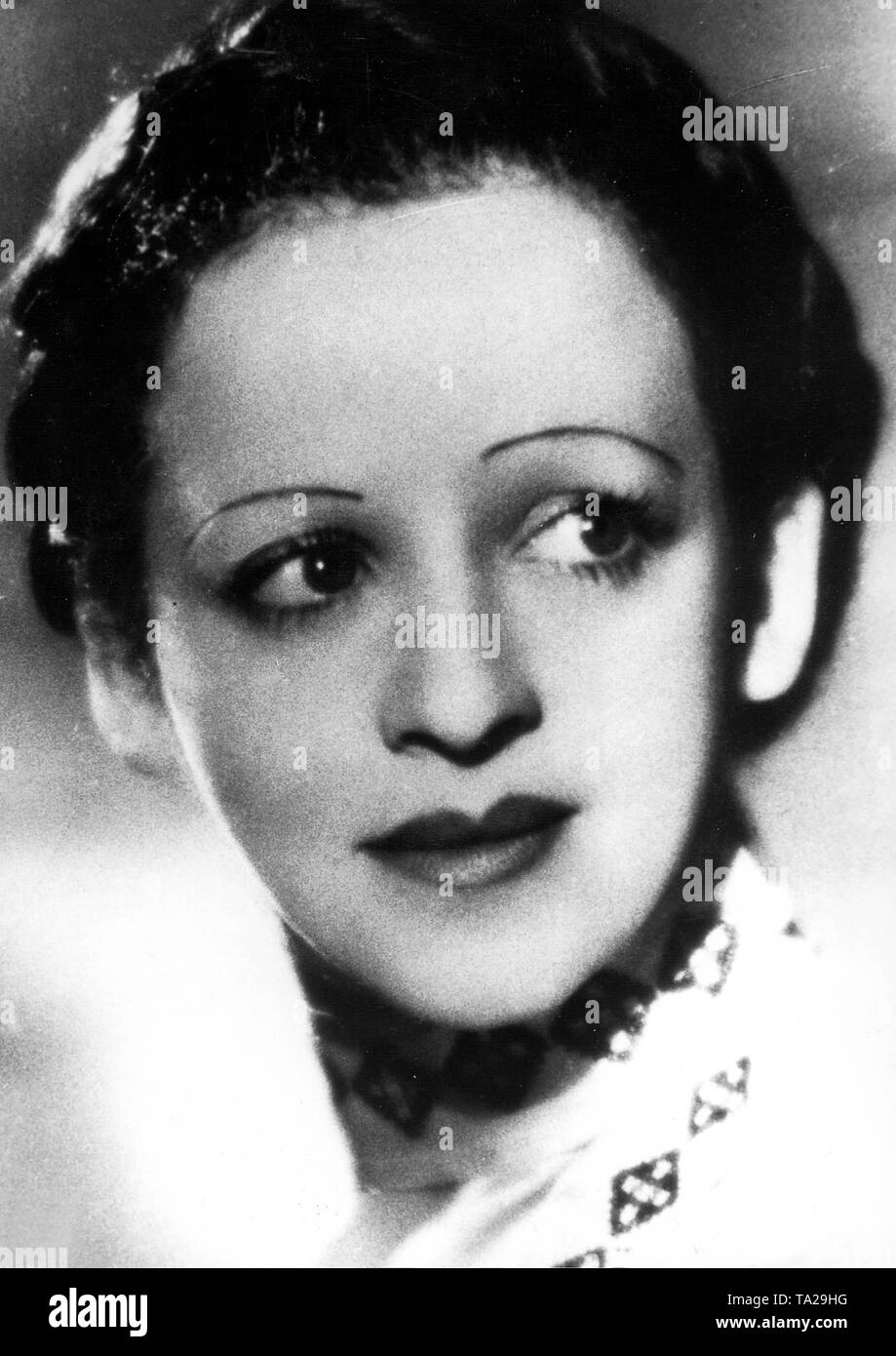 Singer 1930s Stock Photos & Singer 1930s Stock Images - Alamy