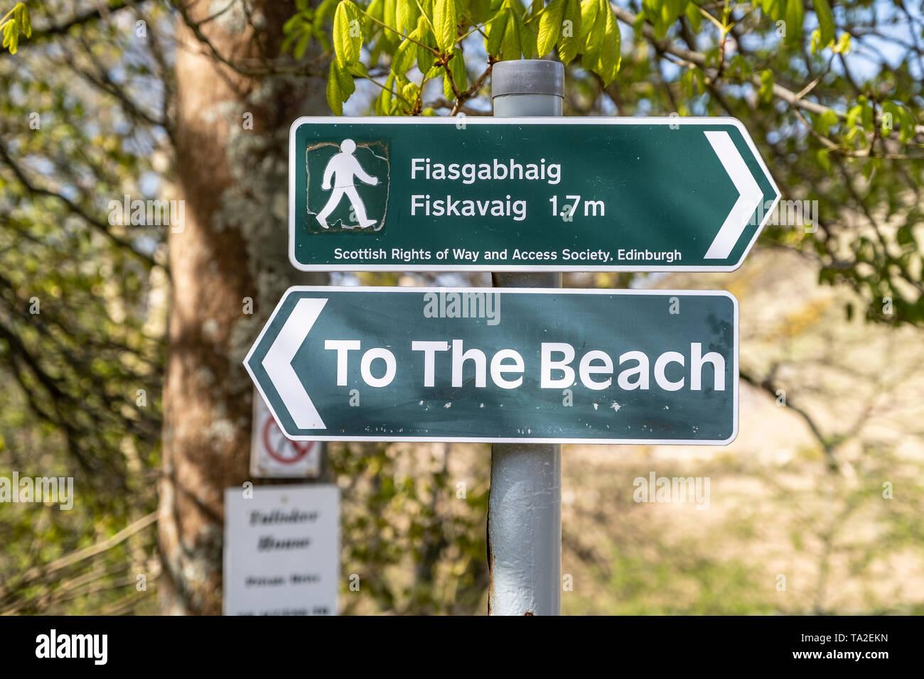 Directional sign to Talisker Beach and Fiasgabhaig Fiskavaig. Skye, Scotland, UK Stock Photo