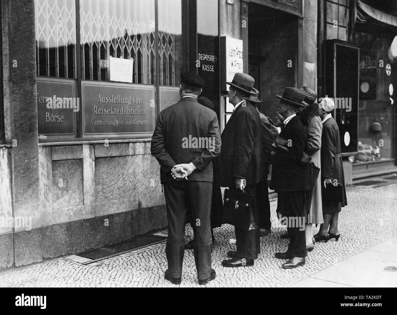 Closed branch of Danat-Bank at the Belle-Alliance-Platz in Berlin. The Darmstaedter und Nationalbank (Danat-Bank), the third largest monetary institution of the Reich, had to stop payment transactions. - Stock Image